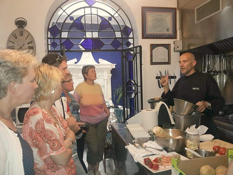 cooking-lessons-in-restaurant-seville