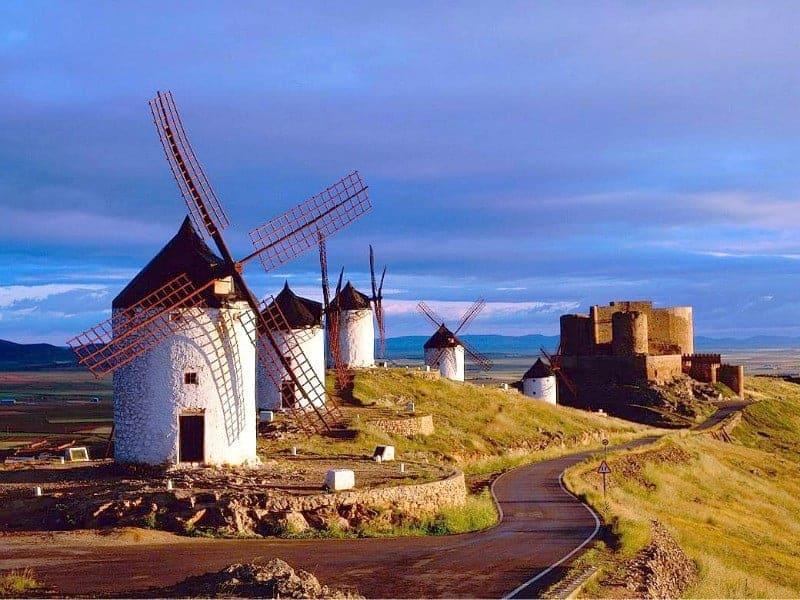 Consuegra (Toledo), 20-02-2008.- Imagen del Cerro Calderico, en Consuegra, que recientemente ha sido declarado Bien de Interés Cultural por el Consejo de Gobierno de Castilla-La Mancha. (Foto: JCCM)